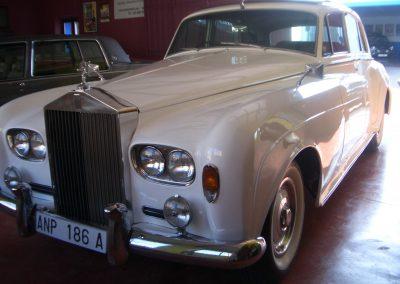 autoclassics-alquiler-de-coches-clasicos-taller-y-restauracion02