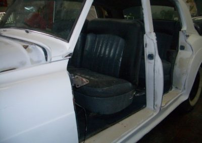 autoclassics-alquiler-de-coches-clasicos-taller-y-restauracion04