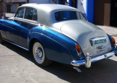 autoclassics-alquiler-de-coches-clasicos-taller-y-restauracion09