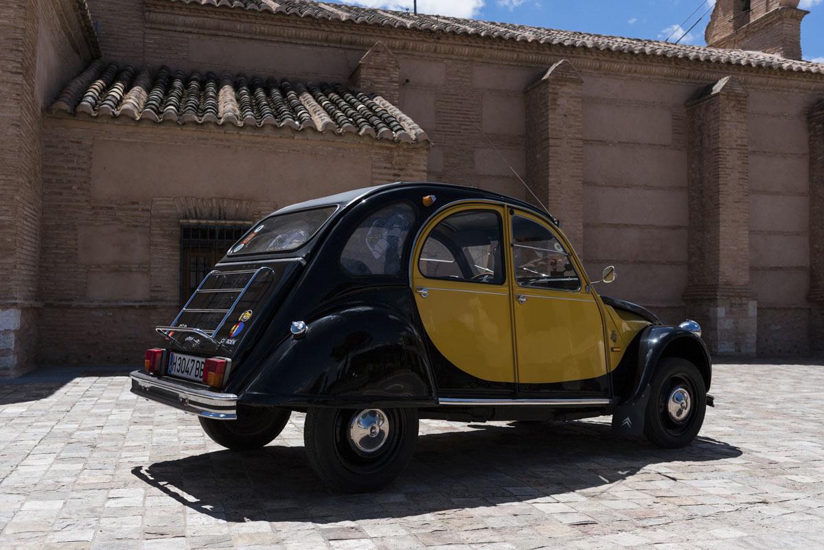 alquiler-de-coches-clasicos-cadillac-citroen-2cv (2)