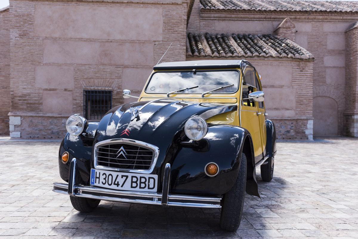 alquiler-de-coches-clasicos-cadillac-citroen-2cv (3)