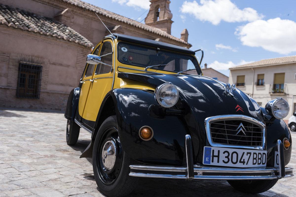 alquiler-de-coches-clasicos-cadillac-citroen-2cv (6)