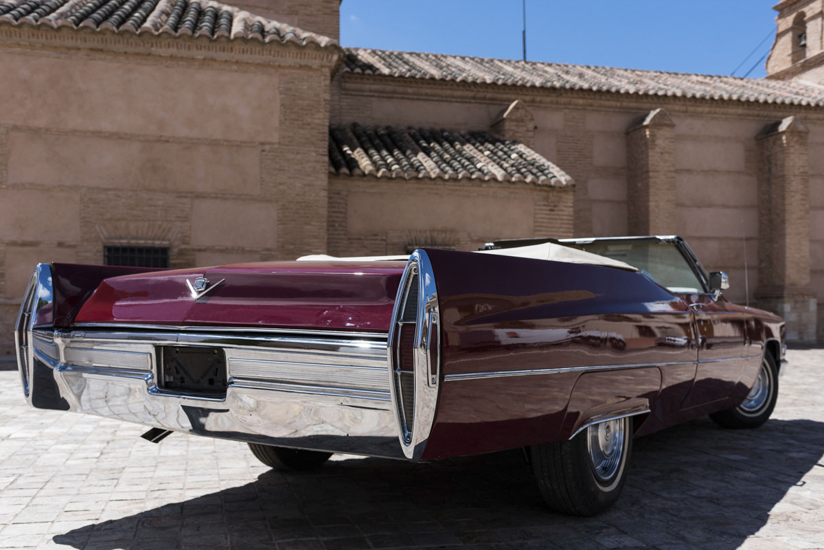 alquiler-de-coches-clasicos-cadillac-de-ville(2)
