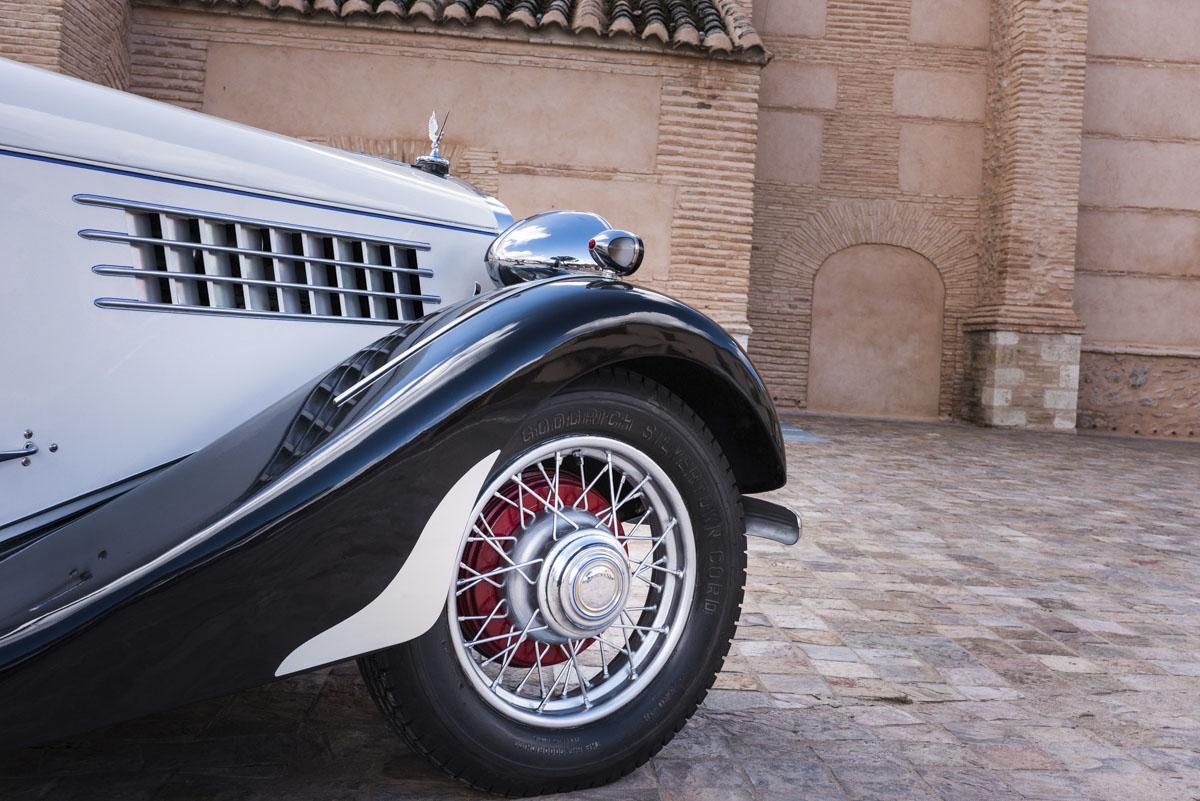 alquiler-de-coches-clasicos-delage (1)