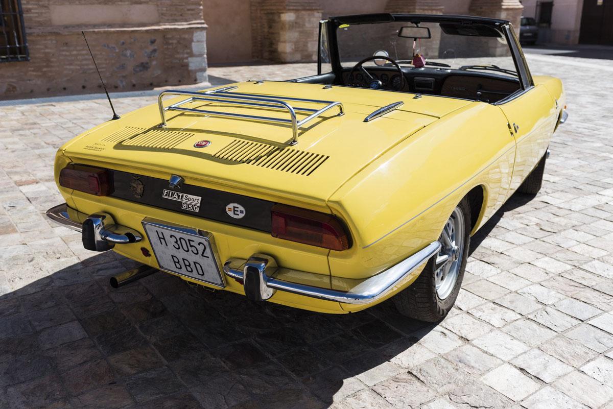 alquiler-de-coches-clasicos-seat-850-spider (1)